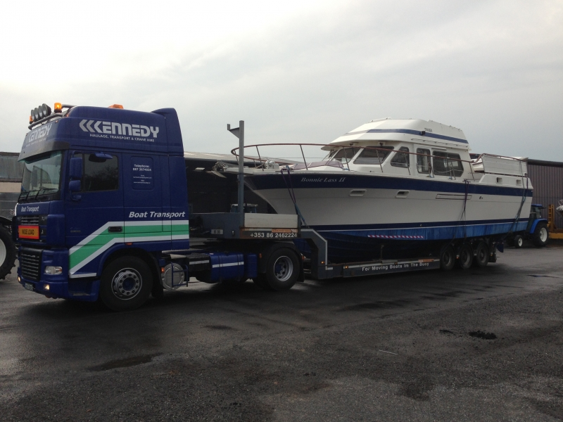 Transport boat haulage blue